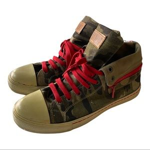 Levi Mens Camouflage Canvas Sneakers- Size 9.5